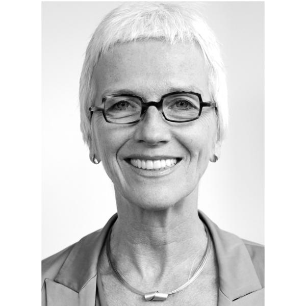 Angela Helfer